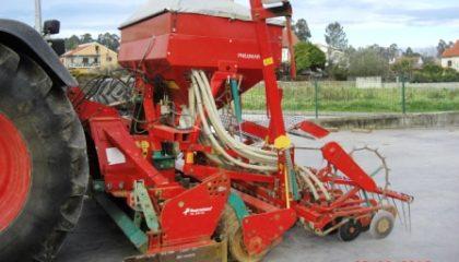 Rototerra com semeador de 3 metros Kverneland